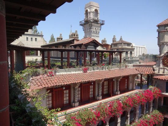 The Mission Inn Hotel and Spa : Courtyard of hotel