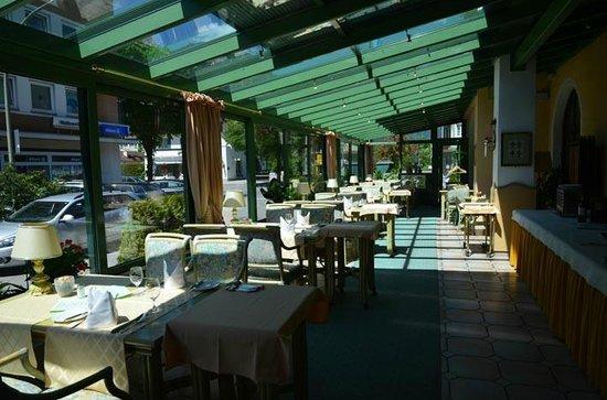 Reindl's Partenkirchner Hof: Breakfast room!