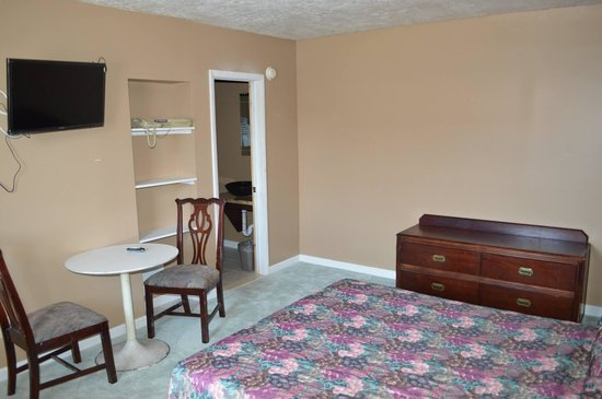Bel-Air Motor Lodge: Newly Remodeled Guest Room