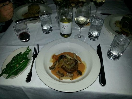 Field's at the Wilderness : 8 oz. Filet special