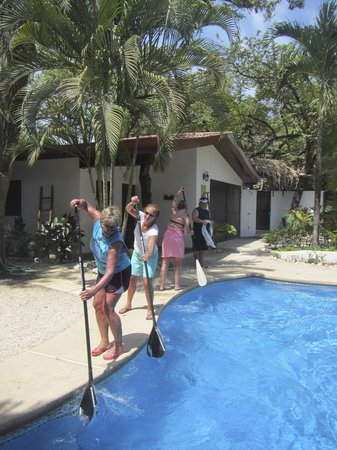 Nosara Paddlesurf: Paddle stroke practice!