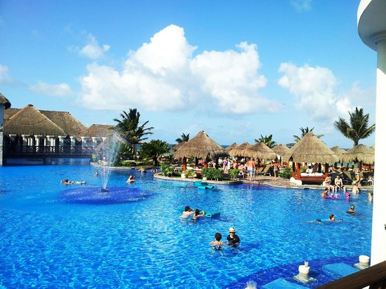Now Sapphire Riviera Cancun: Pool