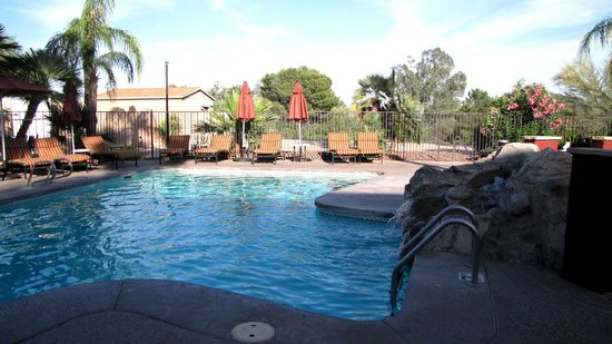 La Posada Lodge and Casitas: Clean pool and spa