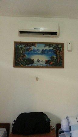 Hotel Ikhlas: Aircon