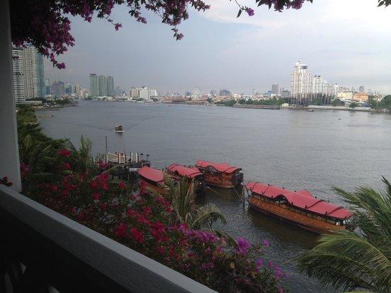 Anantara Riverside Bangkok Resort : View from the balcony of our room facing the river.