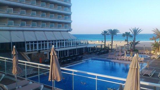 ClubHotel Riu Oliva Beach Resort: Ausblick a.d. Pool