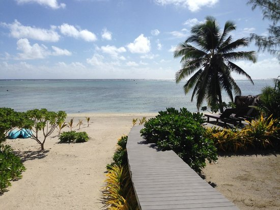 Aitutaki Escape: beach