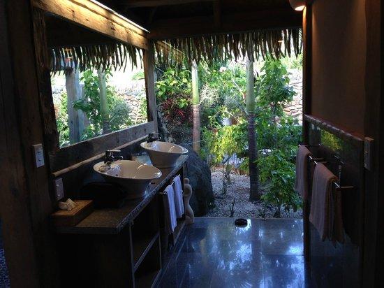 Aitutaki Escape: vanity
