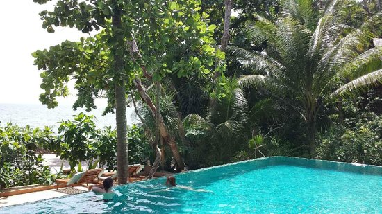 Narima Bungalow Resort: The pool