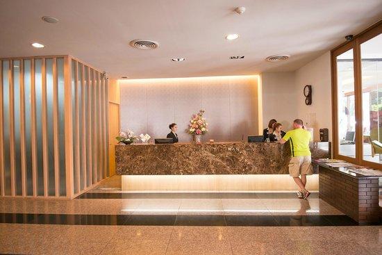 Dynasty Grande Hotel: Reception