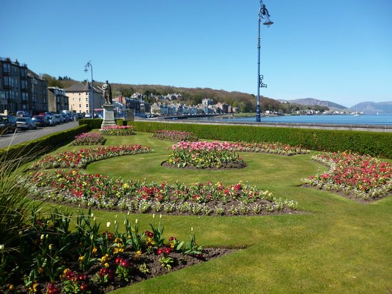 Howards Way Guest House: The Prom.