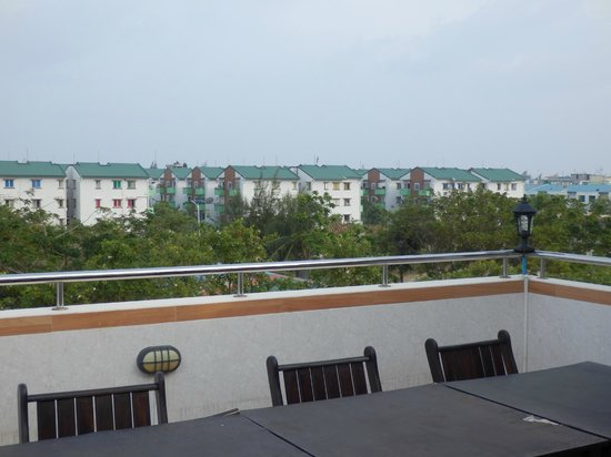 Beverly Park Inn: View from the balcony