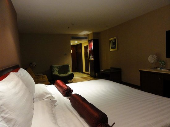 L Hotels (Zhuhai Lianhua): エル ホテルズ(部屋2)
