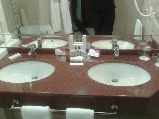 Crowne Plaza Minsk Hotel: номер