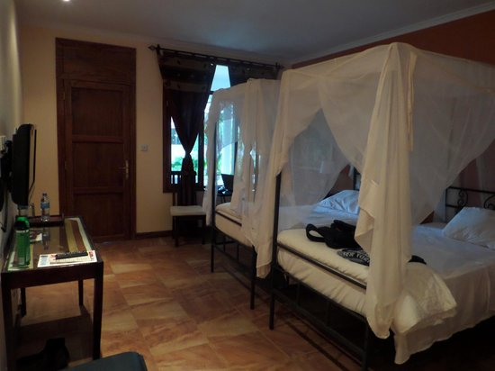 Mediterraneo Hotel & Restaurant: bedroom with garden view