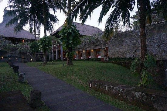 Maya Ubud Resort & Spa: x