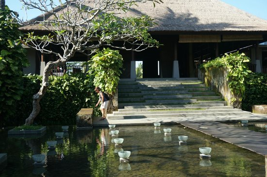 Maya Ubud Resort & Spa: hotel inkom