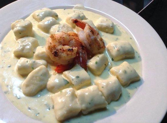 Habanero Grill: Nhoque de batata ao 4 queijos e camarão grelhado!