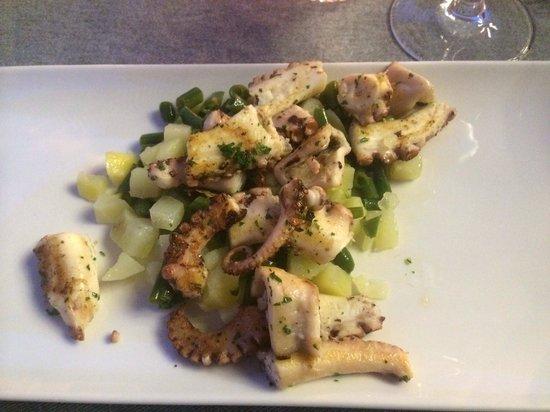 Box Caffe: Octopus salad.