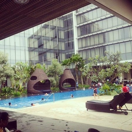 Hilton Bandung : pool view