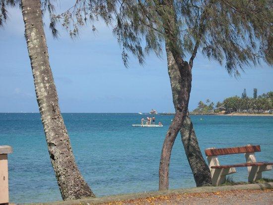 Anse Vata Beach: que du bleu