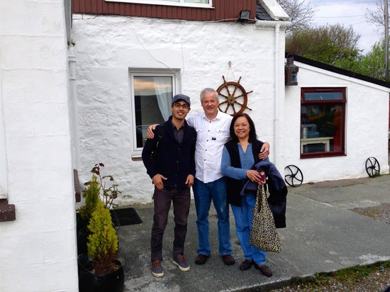 Seaforth Cottage: A departing shot with Ian, our host. Hope to return!
