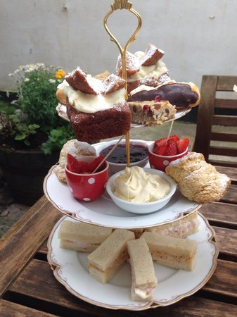 The Courtyard: Tea for two?