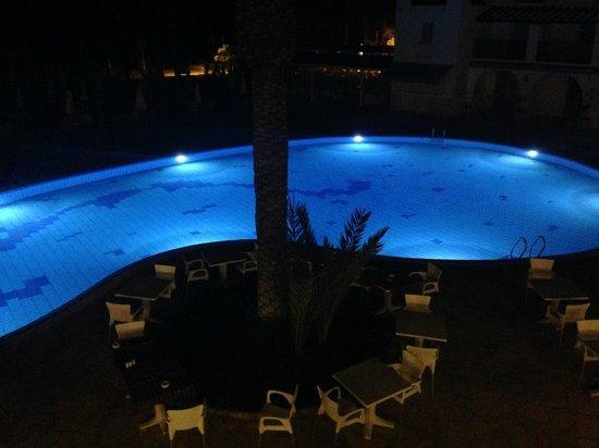 Akti Beach Village Resort : Бассейн