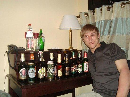 Hostel Downtown: Запасы пива уменьшились )