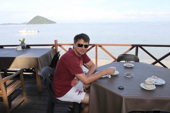 Seaside Travellers Inn: morning coffee
