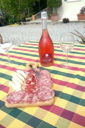 Agriturismo La Rondine: Erose' che aperitivo