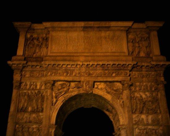 Arco di Traiano : Frontale