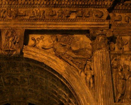 Arco di Traiano : Dettaglio 2