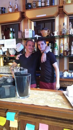 White Bear: Locale molto bello barman Luca