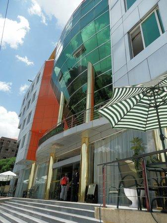 Florida International Hotel : exterior view