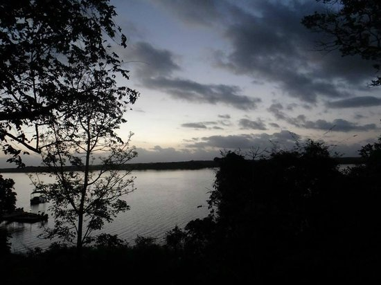 Lamanai Outpost Lodge: Early morning over the lagoon