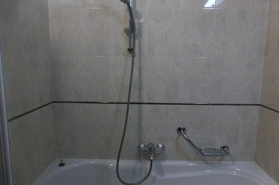 Hotel Aristos: バスルーム