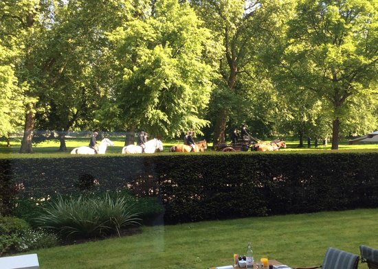 Mandarin Oriental Hyde Park, London: Beautiful view from Diner the restaurant
