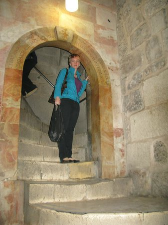 Church of the Holy Sepulchre: Вторая святыня Храма Гроба Господня - Голгофа