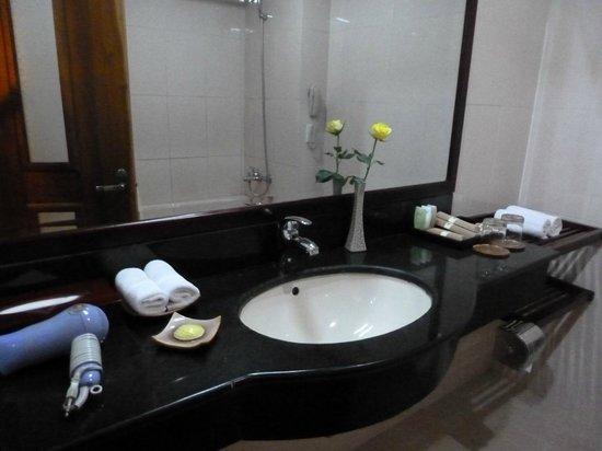 Sun Spa Resort Quang Binh Vietnam: baño