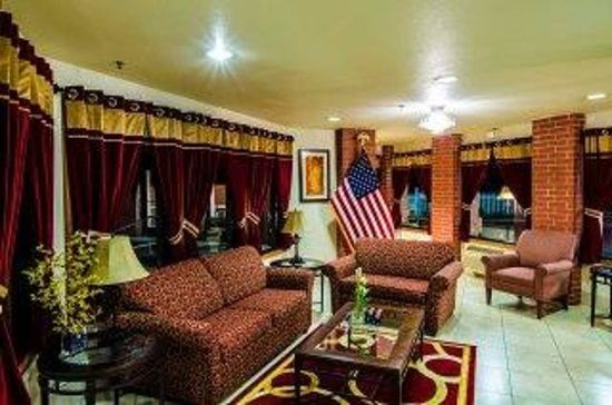 Baymont Inn & Suites Anderson: Baymont lobby