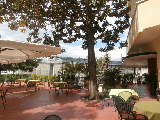 Hotel Villa Serena: outside view
