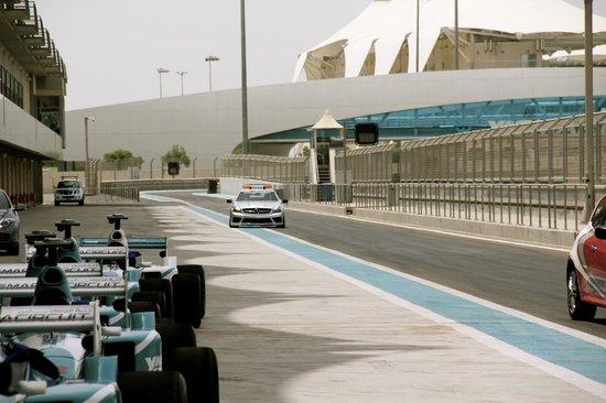 Yas Marina Circuit: Safety Car Experience
