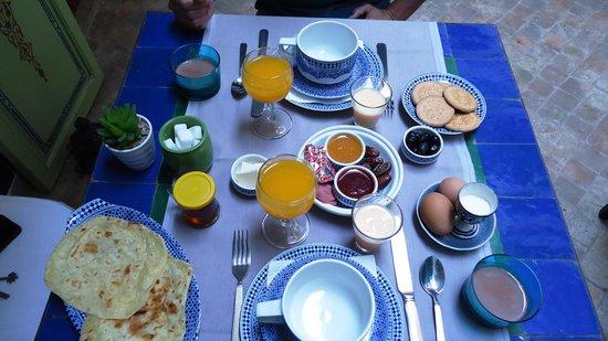 Riad Les Lauriers Blancs: Desayuno