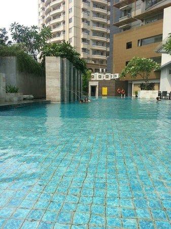 Grand Whiz Kelapa Gading : Pool
