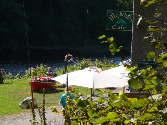 Mullichain Cafe: Down by the river