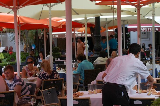 Gran Plaza: Outdoor seating area