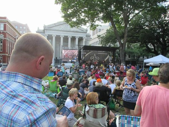 Lafayette Square: Wednesdays at the Park