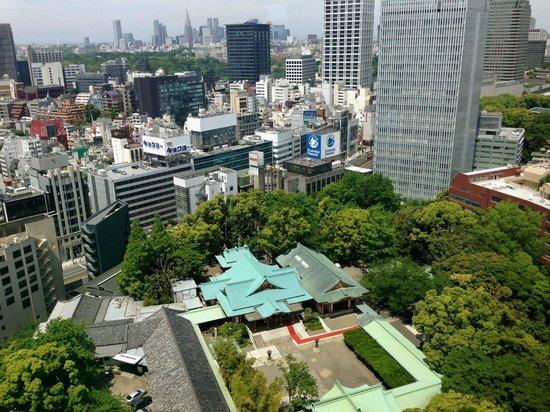 The Capitol Hotel Tokyu : Blick zum Hie Schrein und bis nach Shinjuku