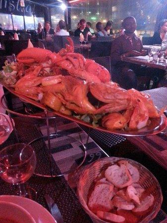 La Cuisine au Beurre : буйабес. Много морепродуктов